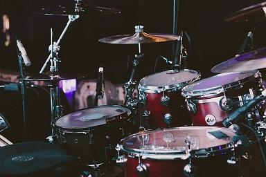 大津惇(ドラム)のwiki風プロフ紹介!経歴や所属バンドはどこ?