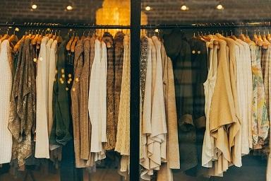 森七菜がベストドレッサー賞で着用したドレスのブランドはどこ?